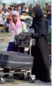 eks-abaya-hitam-dan-non-pahlawan devisa or derita?